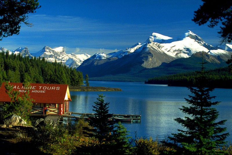 Canada_Boat_House